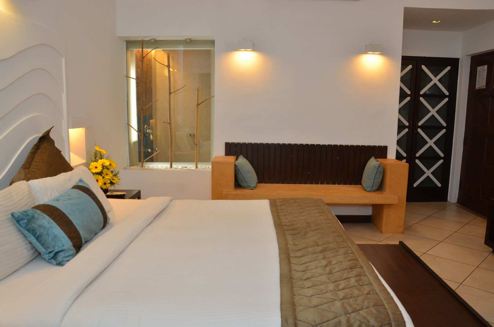 superior suite room goa | Affordable hotel in Goa, Affordable hotel room in Goa.